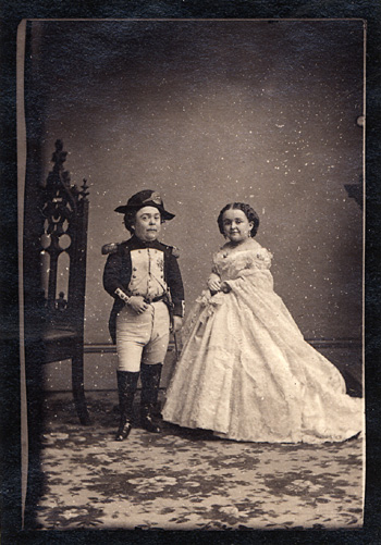 Charles_Sherwood_Stratton_as_Napolean_with_Livinia