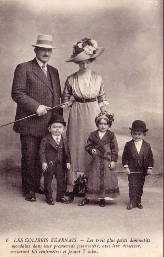 Circus Freak sideshow -LILLIPUT & GULLIVER- HUGO brothers & les COLIBRIS  9