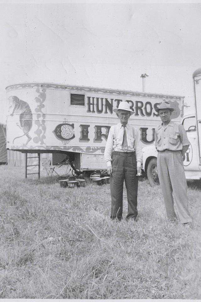 circus hunt bros 112
