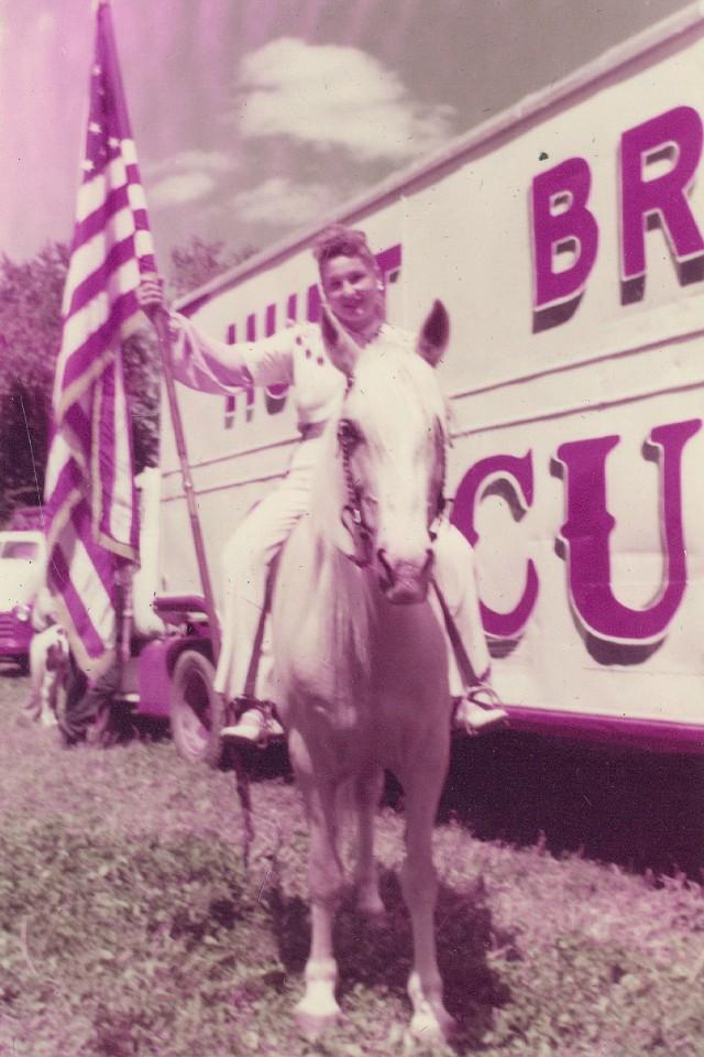 circus hunt bros 22