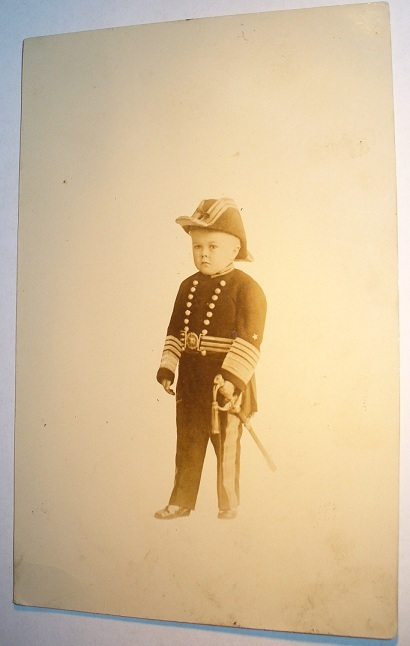 sideSHOW - the Little Admiral.  Age 22, Height 29 inches, Weight 30 pounds  2