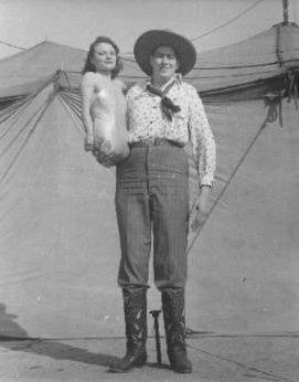 The Boomschimdt Giant and his legless wife