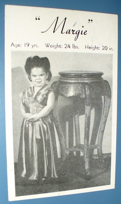 VINTAGE SOUVENIR CARD MARGIE THE MIDGET
