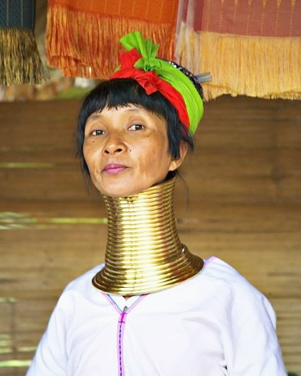 Sideshow    Giraffe Women  Kayan Lahwi tribe  Padaung Freaks  long-necks